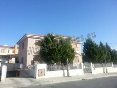 Four Bedroom House with maid's studio and s/pool