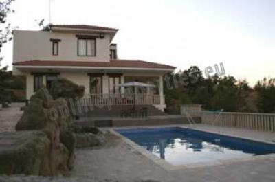 Three Bedroom Luxury House in Agios Epifanios